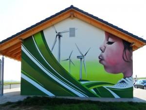 Windräder mit Kind - Leipziger Fassadengestaltung