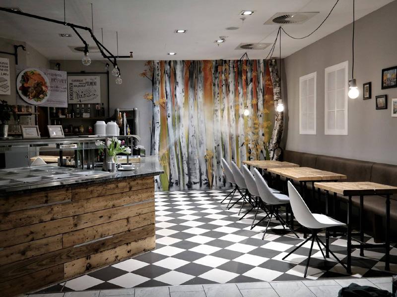 Birkenwald in einem Restaurant